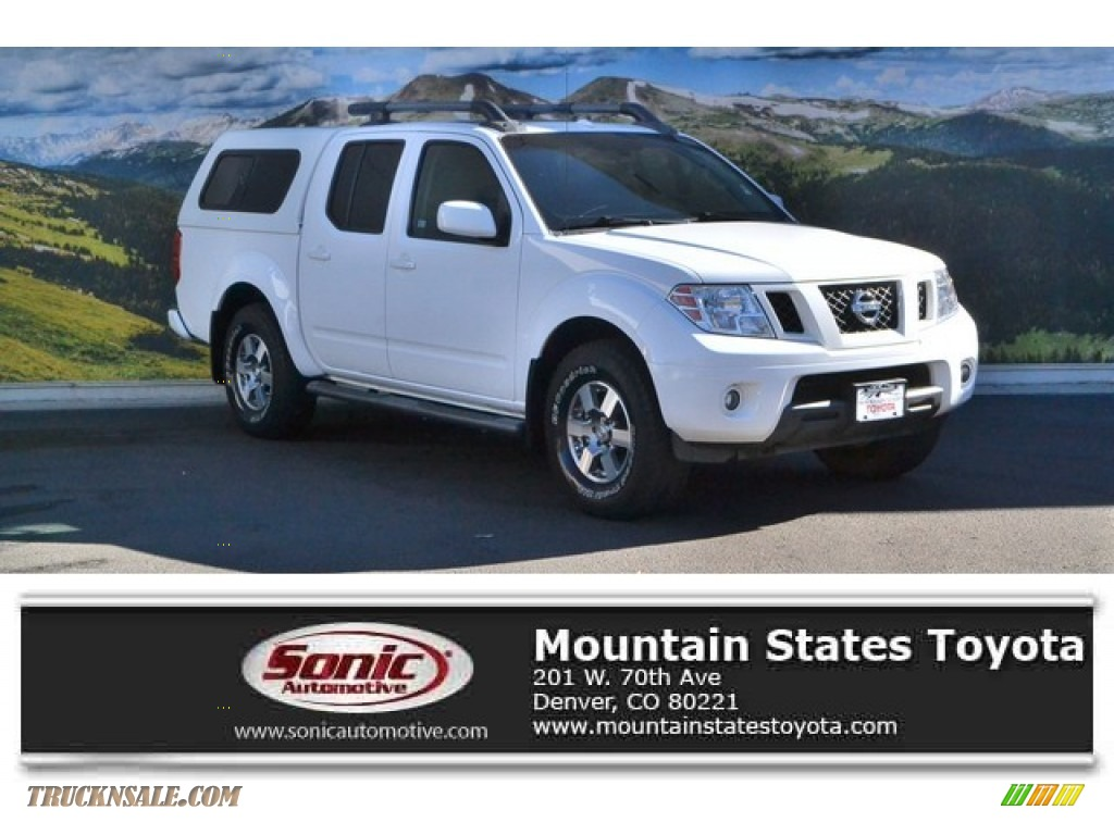 2012 Frontier Pro-4X Crew Cab 4x4 - Avalanche White / Pro 4X Graphite/Red photo #1