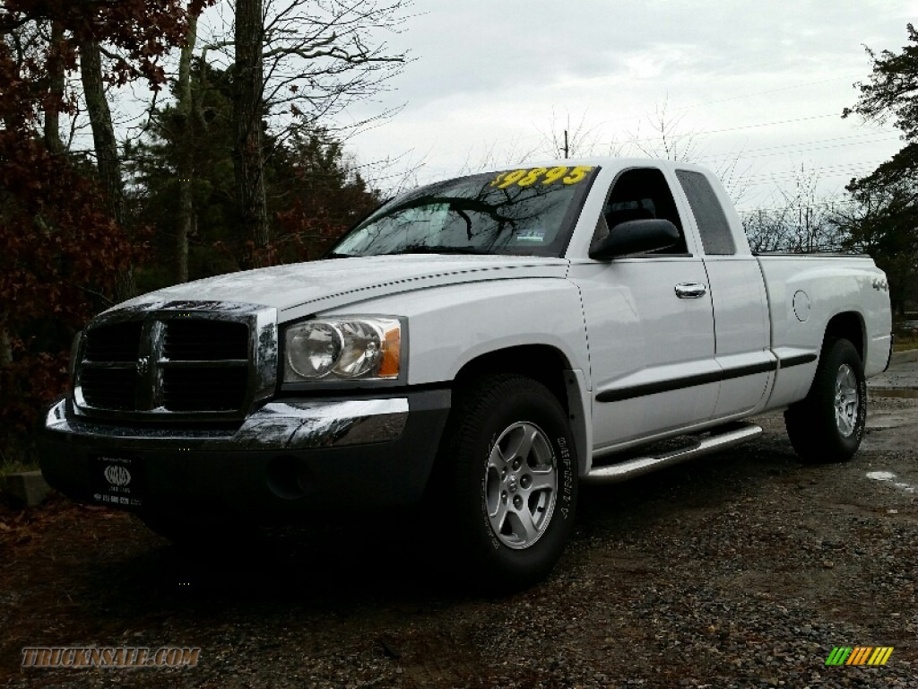 2005 dodge dakota slt club cab 4x4 in bright white 220415 truck n 39 sale. Black Bedroom Furniture Sets. Home Design Ideas