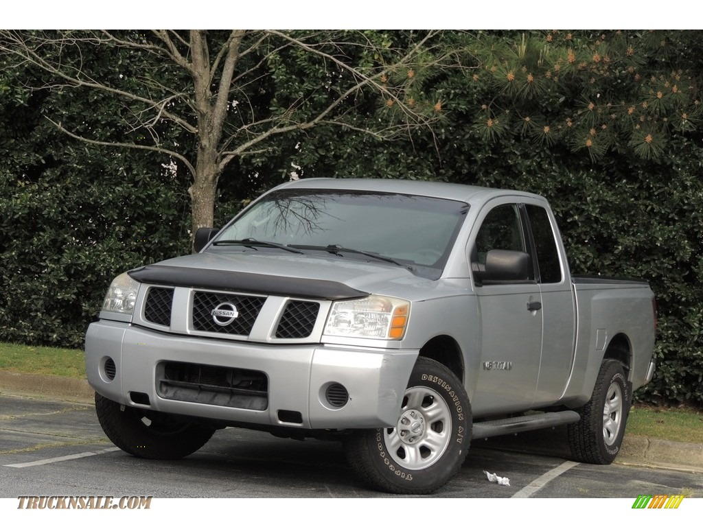 2005 nissan titan le king cab 4x4 in radiant silver photo 7 556575 truck n 39 sale. Black Bedroom Furniture Sets. Home Design Ideas