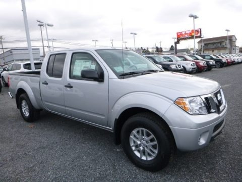 Brilliant Silver 2017 Nissan Frontier SV Crew Cab 4x4