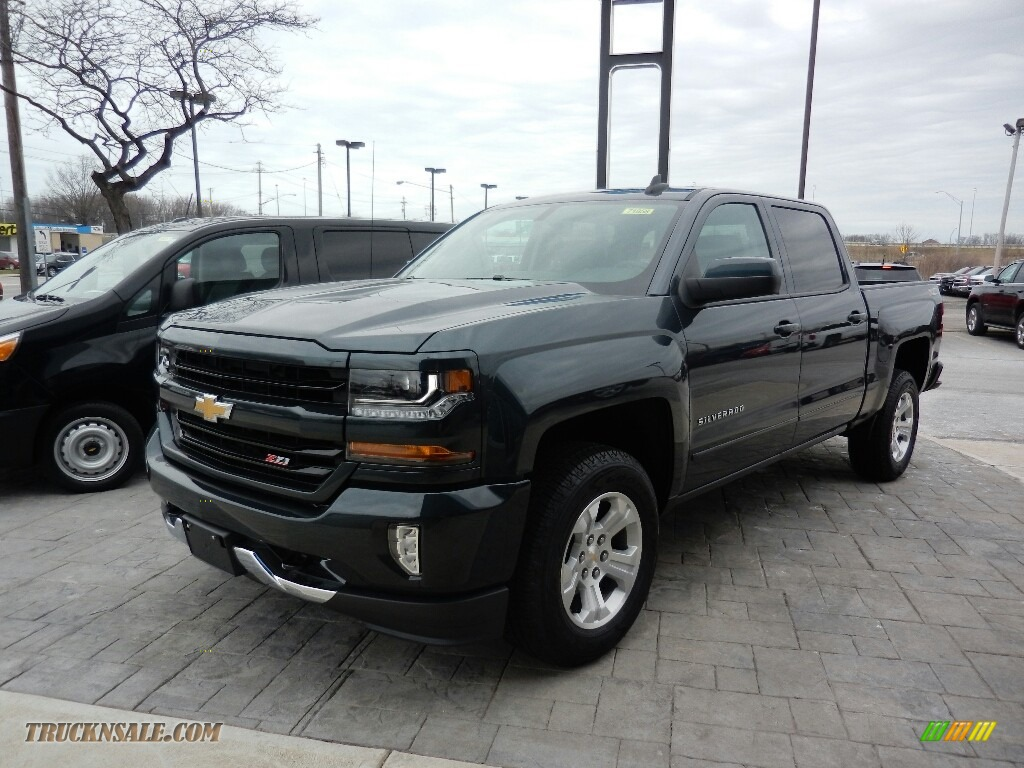 2017 chevrolet silverado 1500 lt crew cab 4x4 in graphite metallic 305087 truck n 39 sale. Black Bedroom Furniture Sets. Home Design Ideas