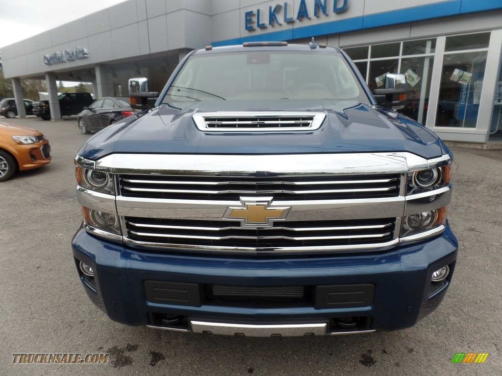 2017 chevrolet silverado 3500hd high country crew cab dual rear wheel 4x4 in deep ocean blue. Black Bedroom Furniture Sets. Home Design Ideas