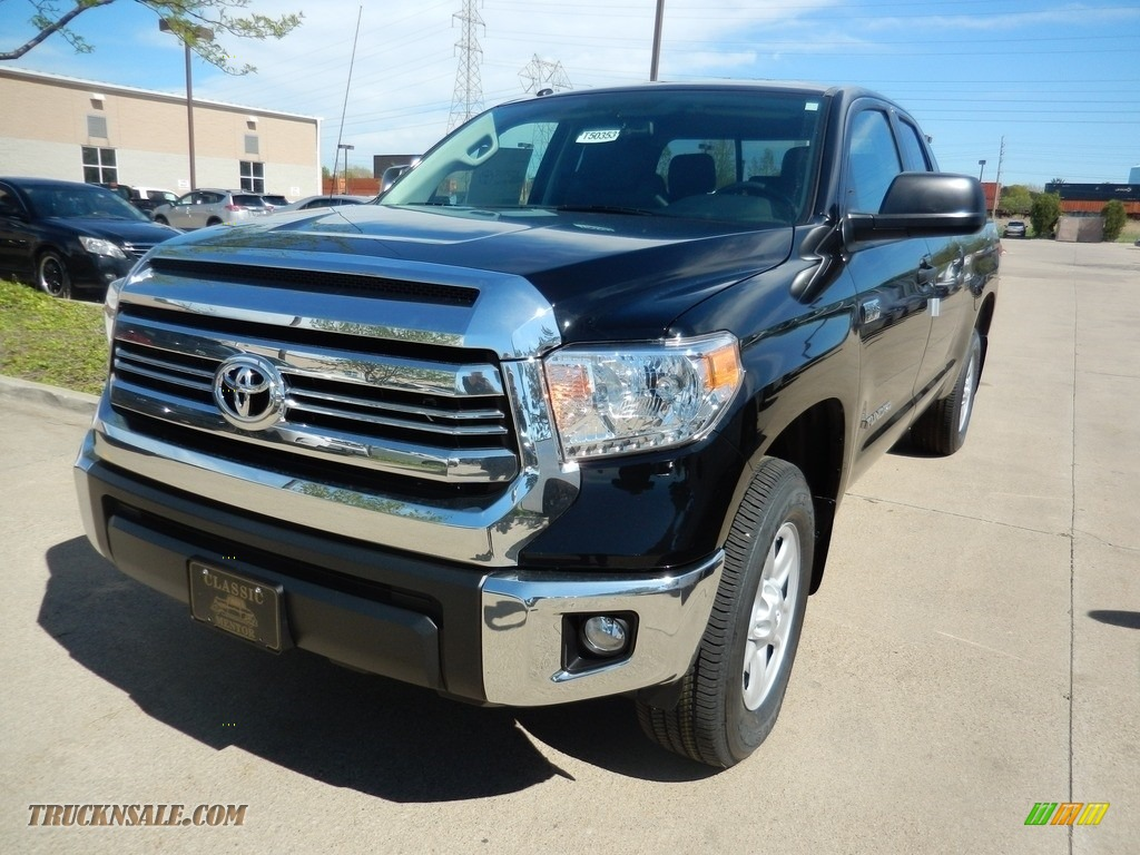2017 toyota tundra sr5 double cab 4x4 in midnight black metallic 649150 truck n 39 sale. Black Bedroom Furniture Sets. Home Design Ideas