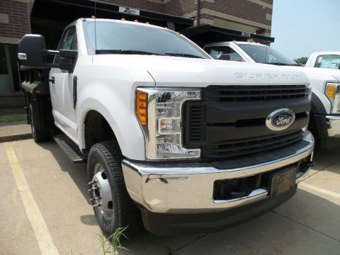 Oxford White 2017 Ford F350 Super Duty XL Regular Cab 4x4 Dump Truck