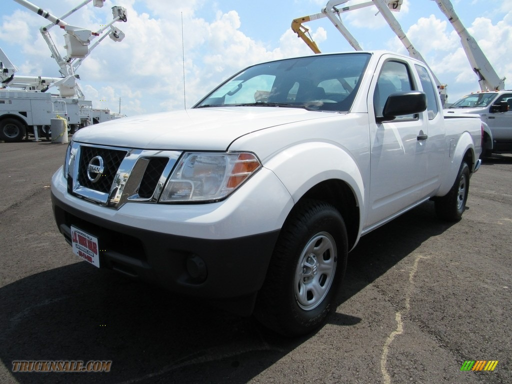 2012 Frontier S King Cab - Avalanche White / Graphite photo #1