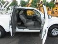 Nissan Frontier S King Cab Avalanche White photo #10