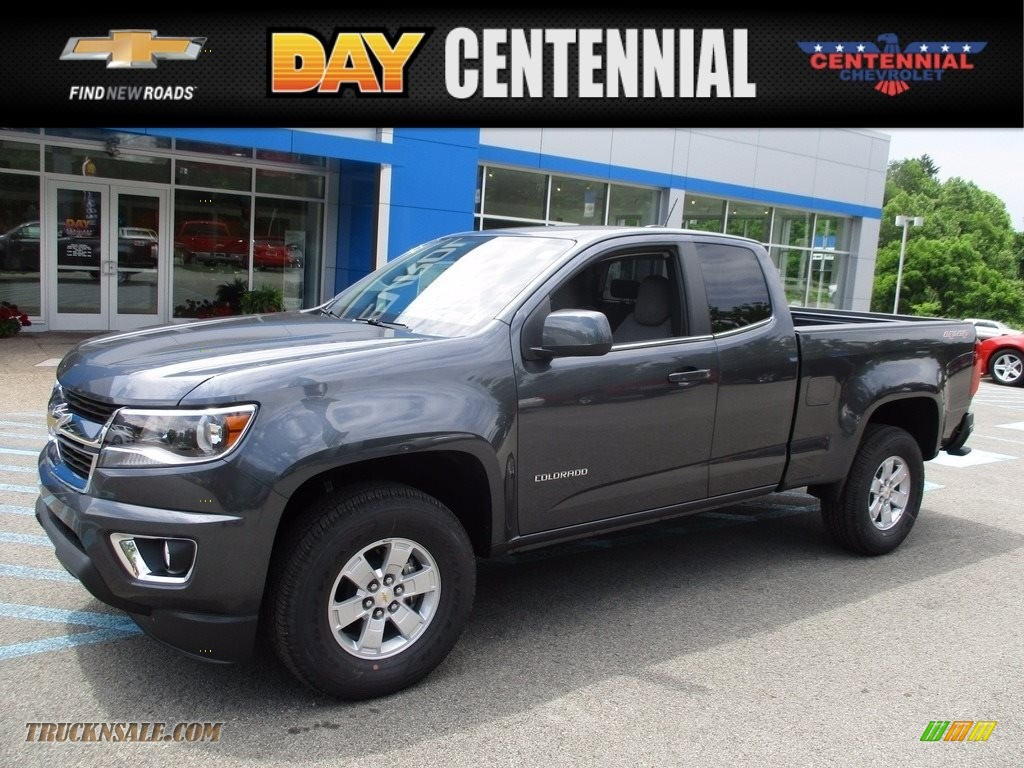 Cyber Gray Metallic / Jet Black/­Dark Ash Chevrolet Colorado WT Extended Cab 4x4