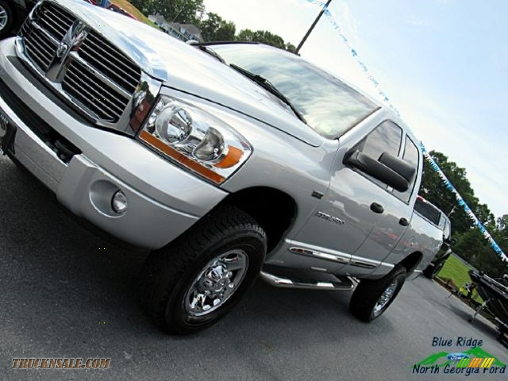 2006 Ram 2500 Laramie Quad Cab 4x4 - Bright Silver Metallic / Medium Slate Gray photo #29