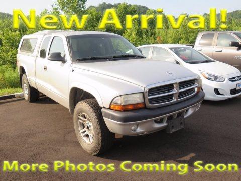 Bright Silver Metallic 2004 Dodge Dakota Sport Club Cab 4x4