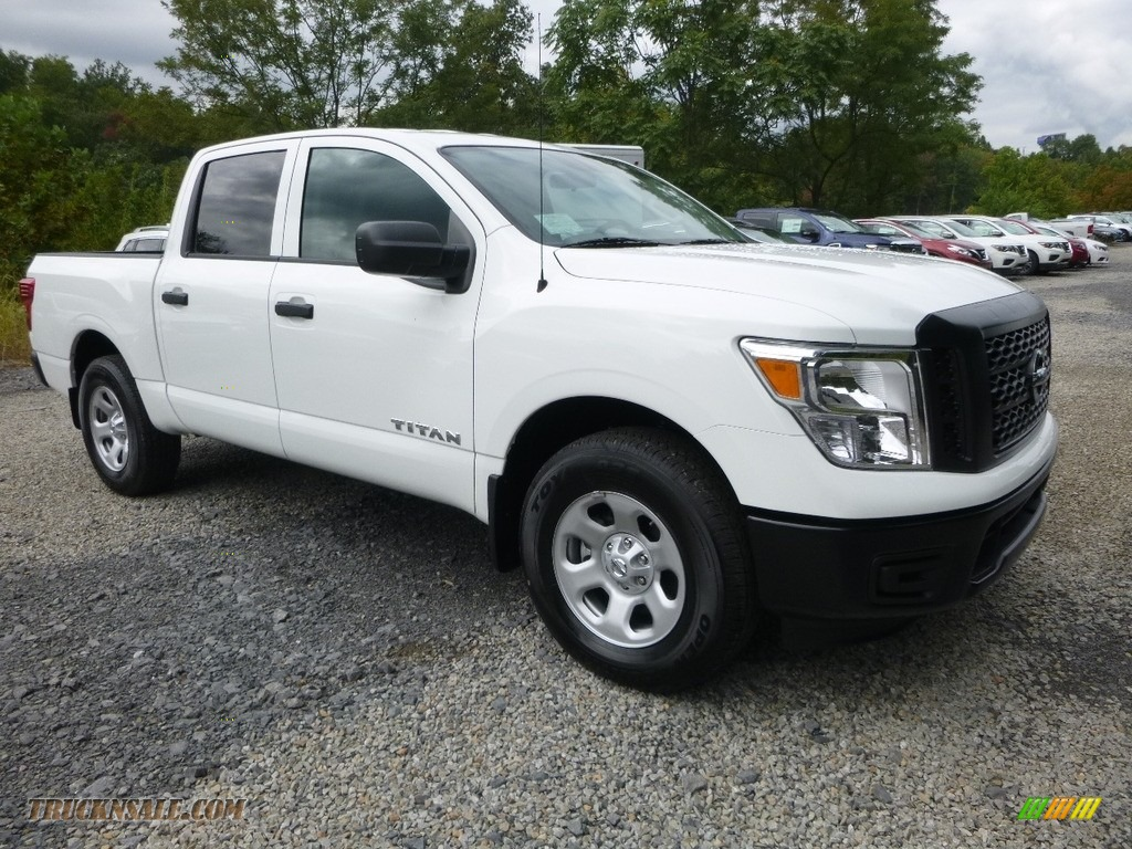 2017 Titan S Crew Cab 4x4 - Glacier White / Black photo #1
