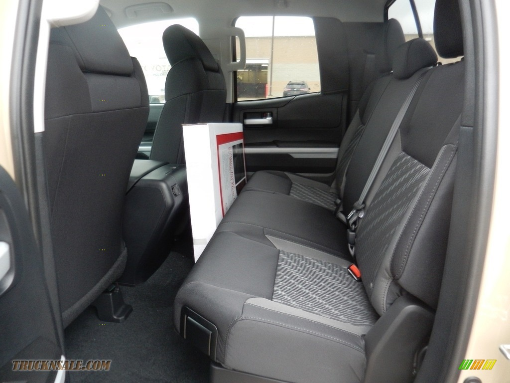 2018 Tundra SR5 Double Cab 4x4 - Quick Sand / Black photo #5