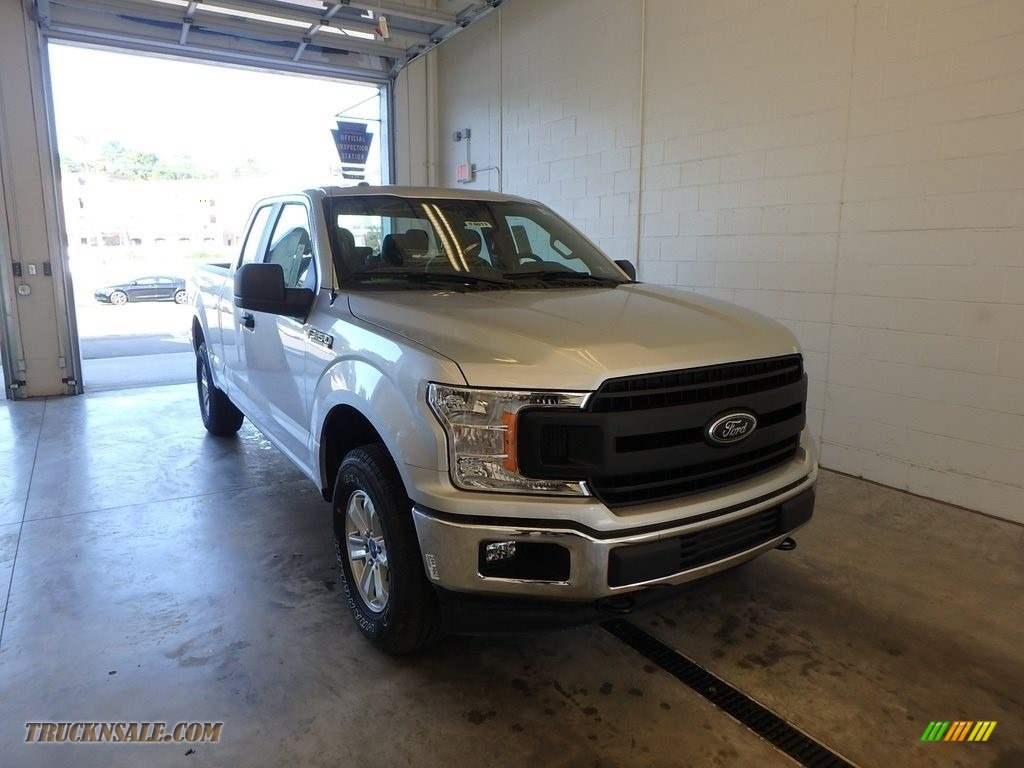 Ingot Silver / Earth Gray Ford F150 XL SuperCab 4x4