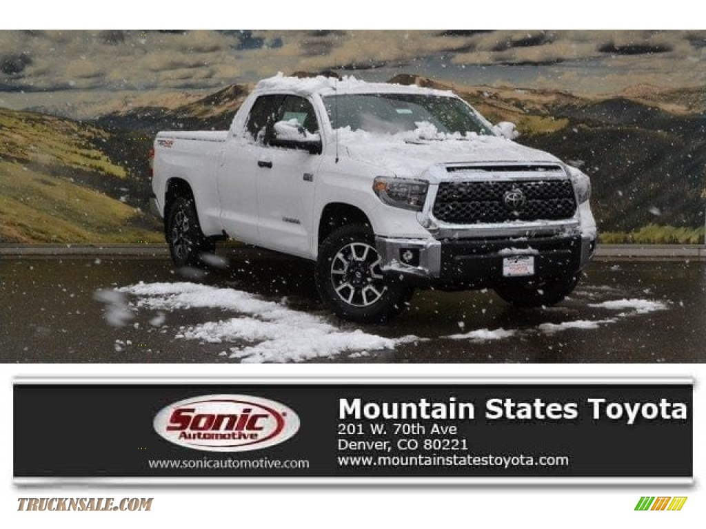 2018 Tundra SR5 Double Cab 4x4 - Super White / Graphite photo #1