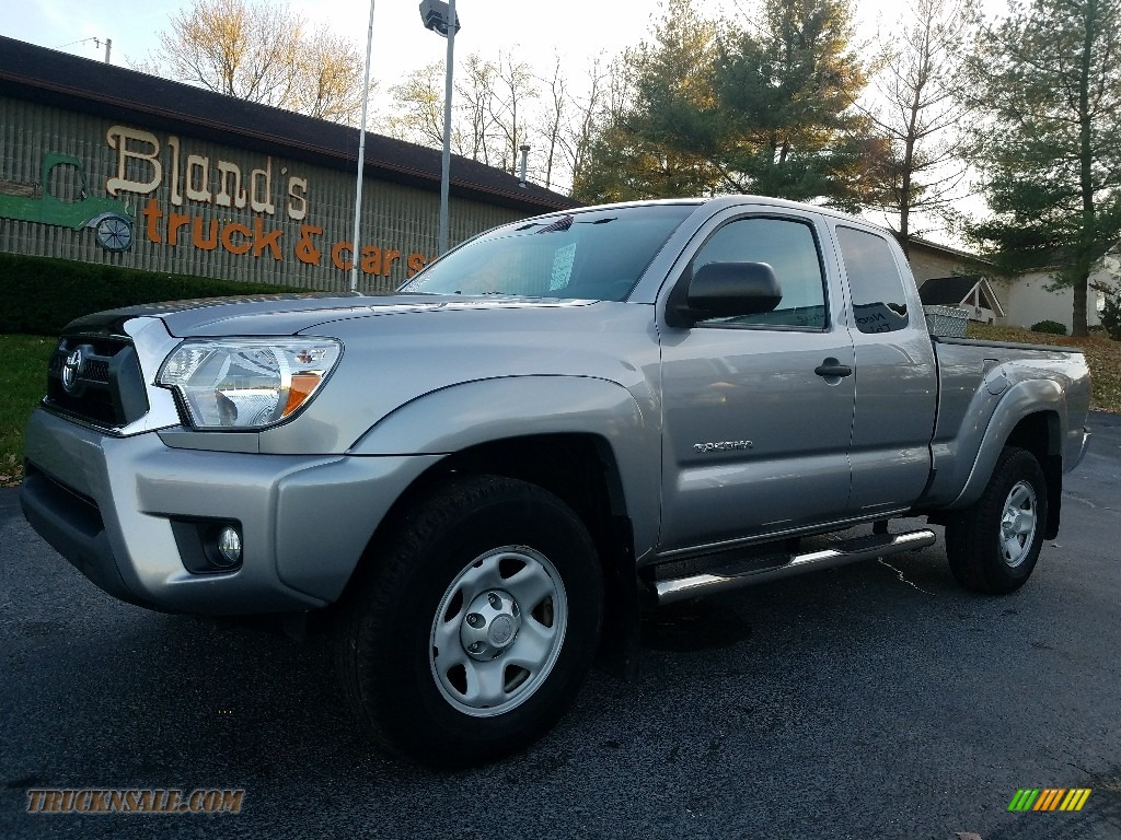 2015 Tacoma V6 Access Cab 4x4 - Silver Sky Metallic / Graphite photo #1