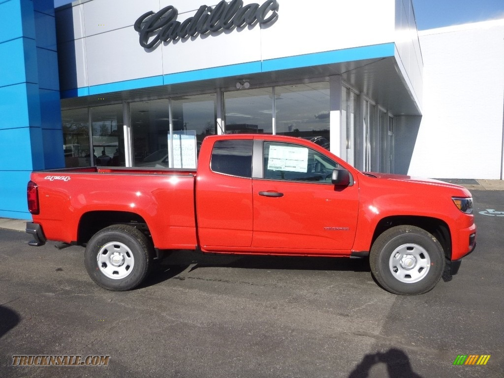 2018 Colorado WT Extended Cab 4x4 - Red Hot / Jet Black/Dark Ash photo #3