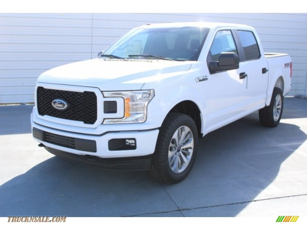 2018 F150 XL SuperCrew 4x4 - Oxford White / Earth Gray photo #3
