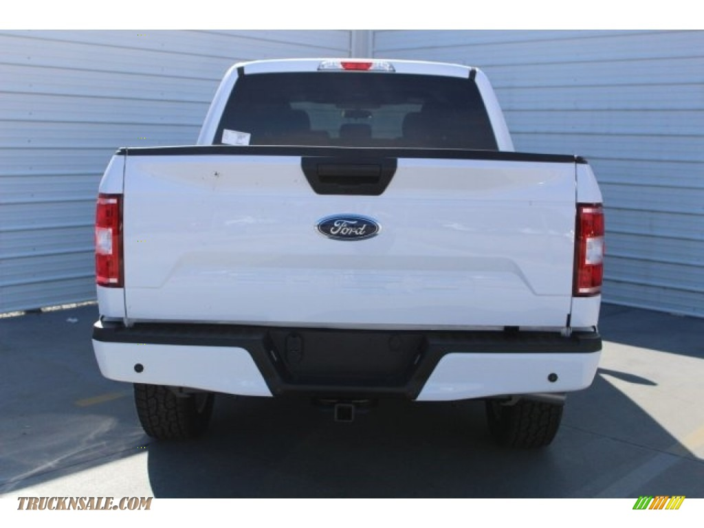 2018 F150 XL SuperCrew 4x4 - Oxford White / Earth Gray photo #8