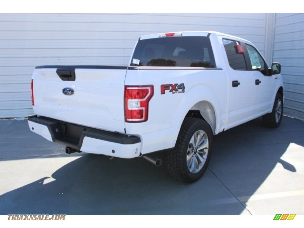2018 F150 XL SuperCrew 4x4 - Oxford White / Earth Gray photo #9