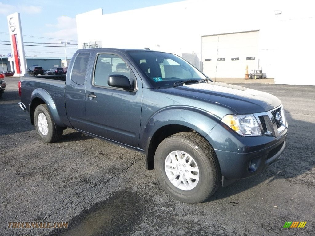 2018 Frontier SV King Cab 4x4 - Arctic Blue Metallic / Graphite photo #1