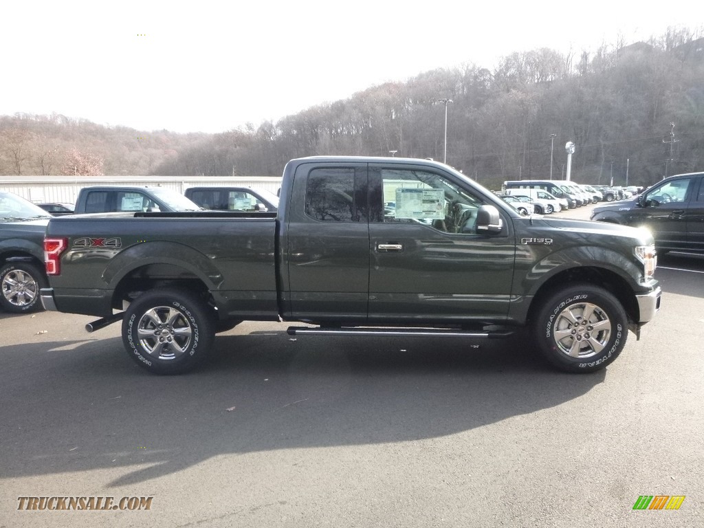 Magnetic / Earth Gray Ford F150 XLT SuperCab 4x4