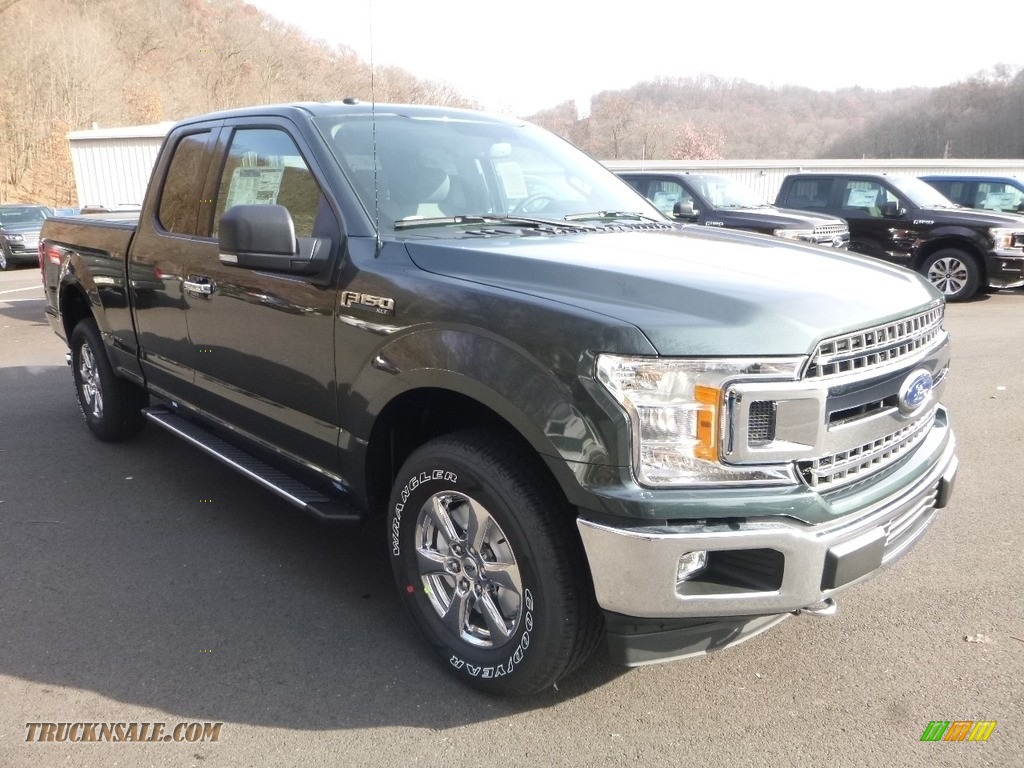 2018 F150 XLT SuperCab 4x4 - Magnetic / Earth Gray photo #2