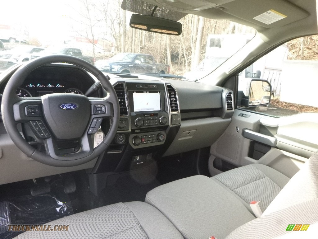 2018 F150 XLT SuperCab 4x4 - Magnetic / Earth Gray photo #9