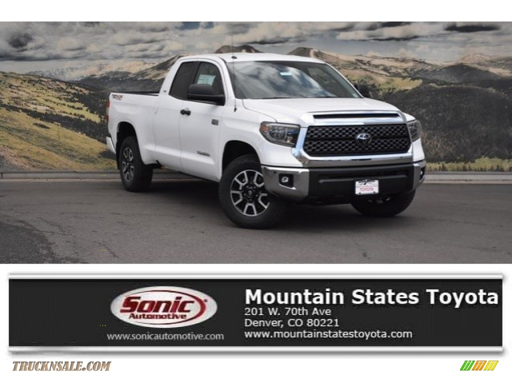 2018 Tundra SR5 Double Cab 4x4 - Super White / Black photo #1