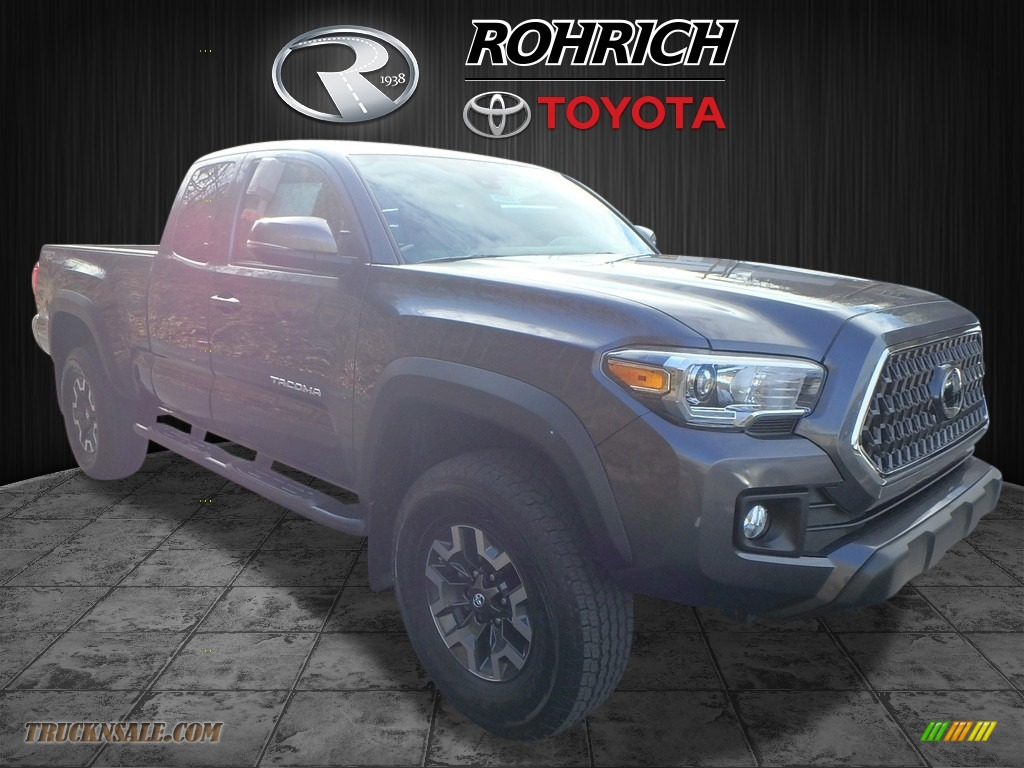 2018 Tacoma TRD Off Road Access Cab 4x4 - Magnetic Gray Metallic / Graphite w/Gun Metal photo #1