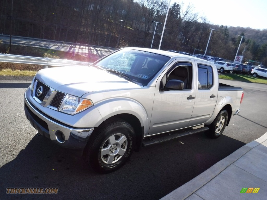 2007 Frontier SE Crew Cab 4x4 - Radiant Silver / Steel photo #7