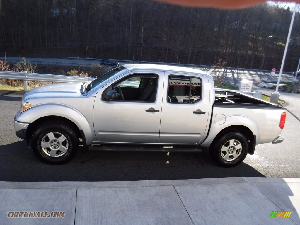 2007 Frontier SE Crew Cab 4x4 - Radiant Silver / Steel photo #8