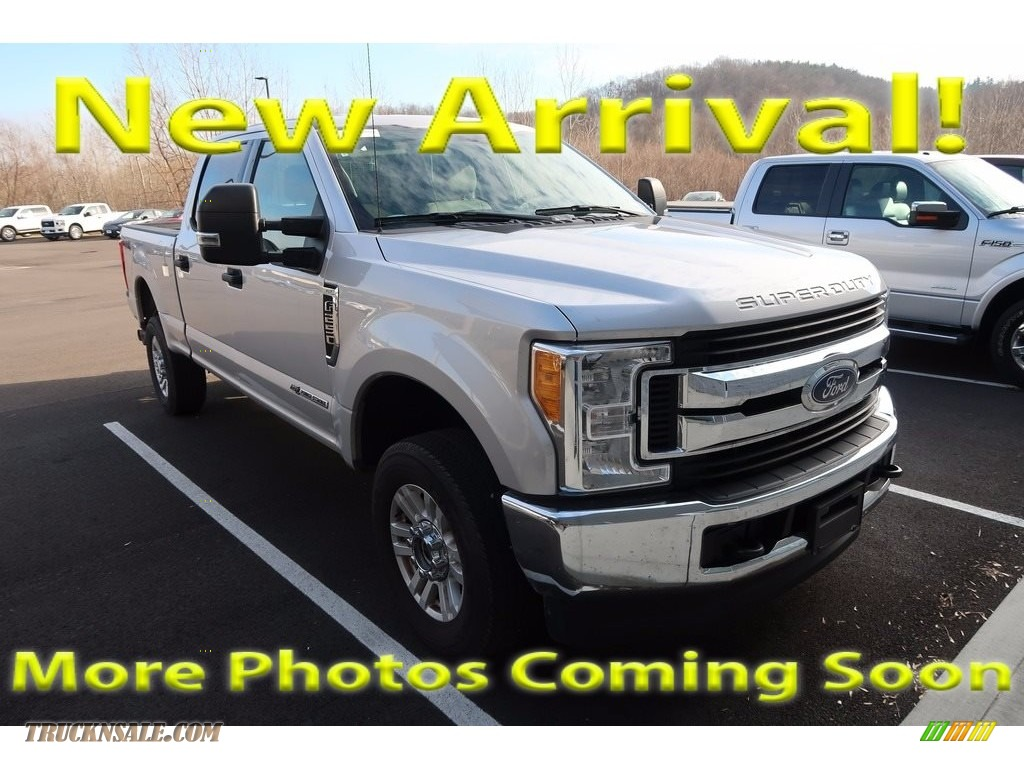 2017 F250 Super Duty XLT Crew Cab 4x4 - Ingot Silver / Medium Earth Gray photo #1