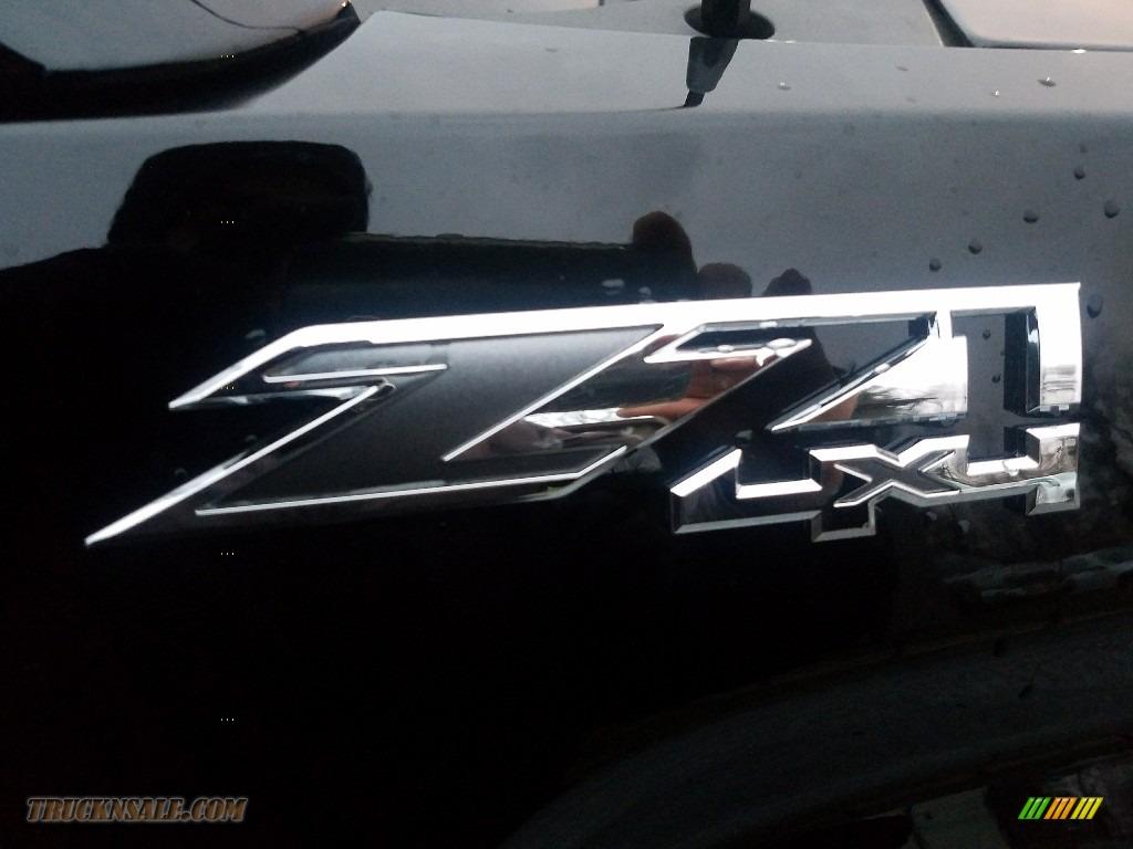 2017 Sierra 1500 SLT Crew Cab 4WD - Onyx Black / Jet Black photo #9