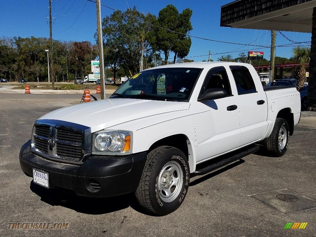 2006 Dakota ST Quad Cab - Bright White / Medium Slate Gray photo #1