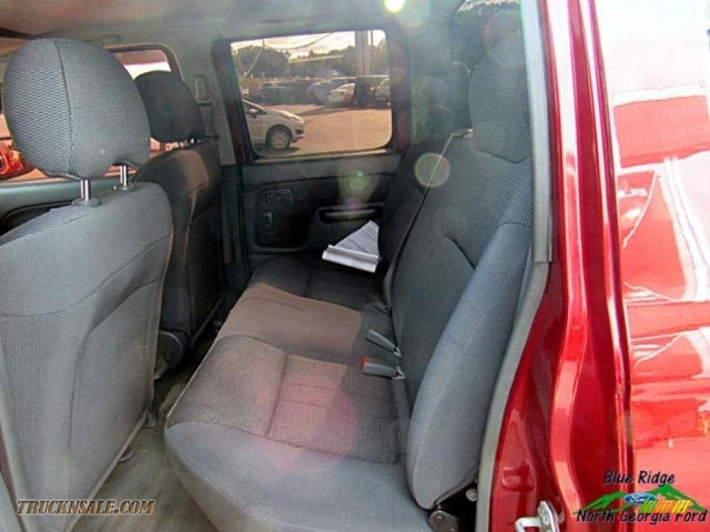2004 Frontier XE V6 Crew Cab 4x4 - Red Brawn Metallic / Gray photo #14