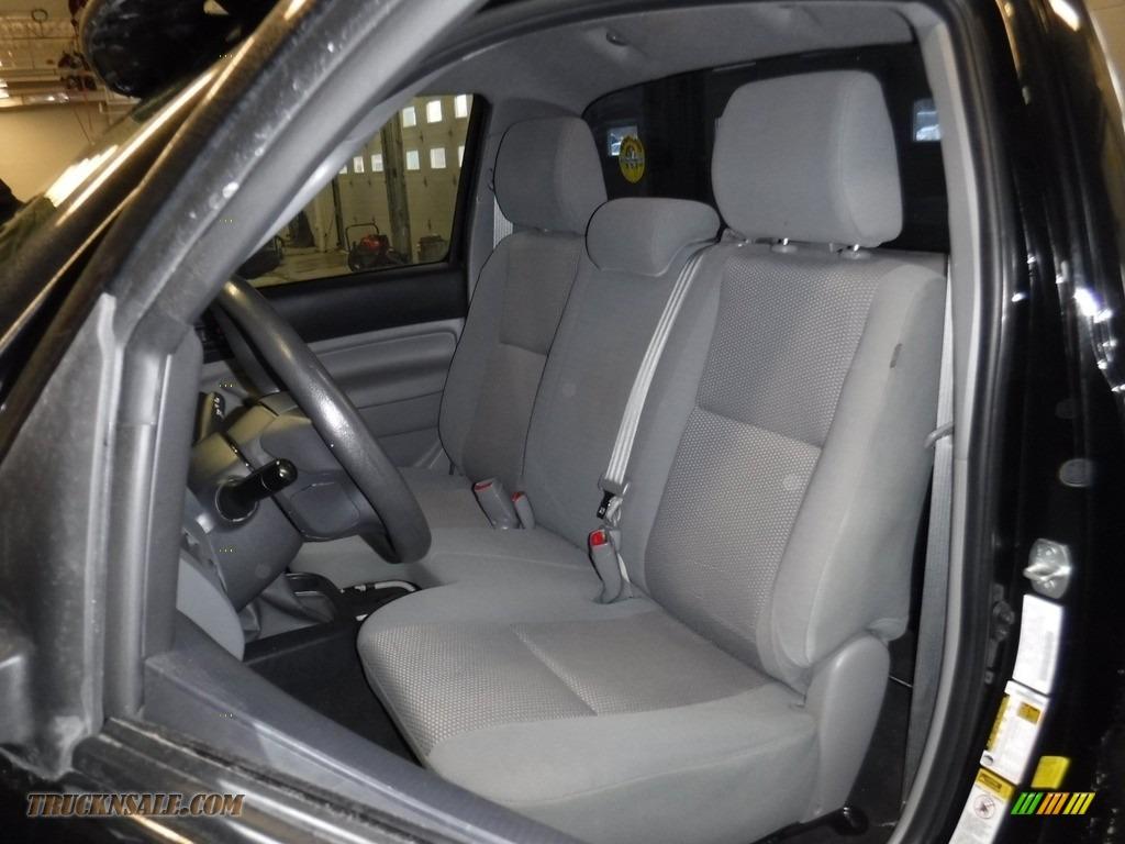 2012 Tacoma Regular Cab 4x4 - Black / Graphite photo #16