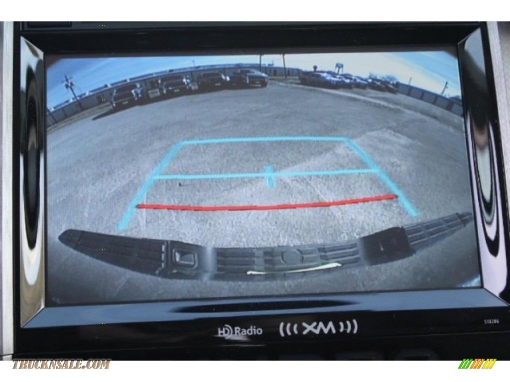 2018 Tundra SR5 Double Cab 4x4 - Magnetic Gray Metallic / Graphite photo #14