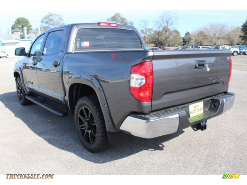 2018 Tundra TSS CrewMax - Magnetic Gray Metallic / Graphite photo #7