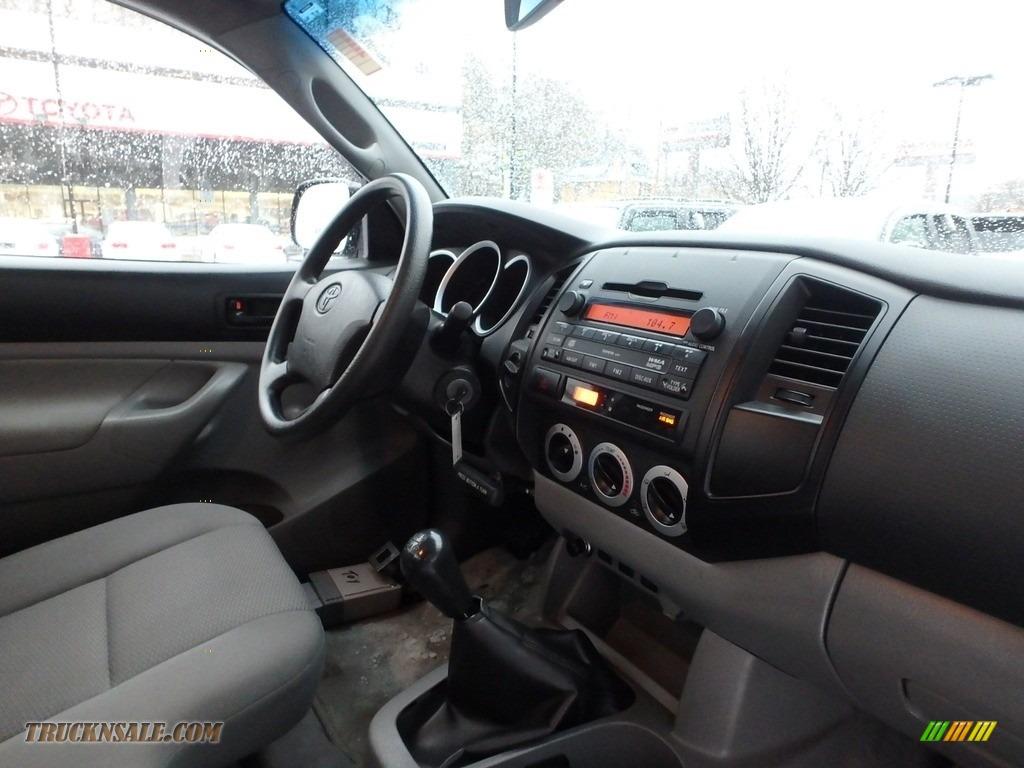 2009 Tacoma Regular Cab 4x4 - Silver Streak Mica / Graphite Gray photo #13
