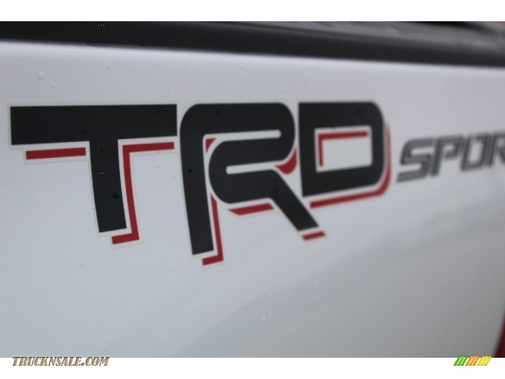 2018 Tacoma TRD Sport Double Cab - Super White / Black/Red photo #36
