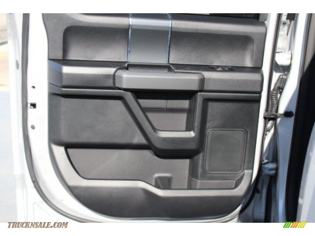 2018 F150 XLT SuperCrew - Ingot Silver / Black photo #18