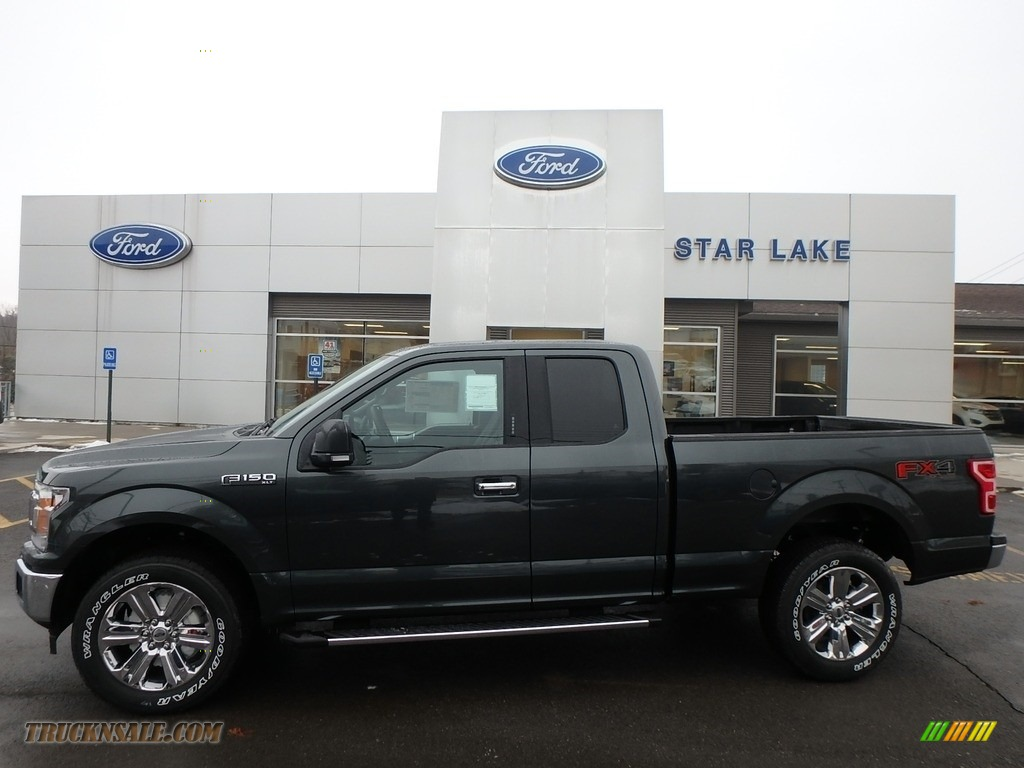 Guard / Earth Gray Ford F150 XLT SuperCab 4x4