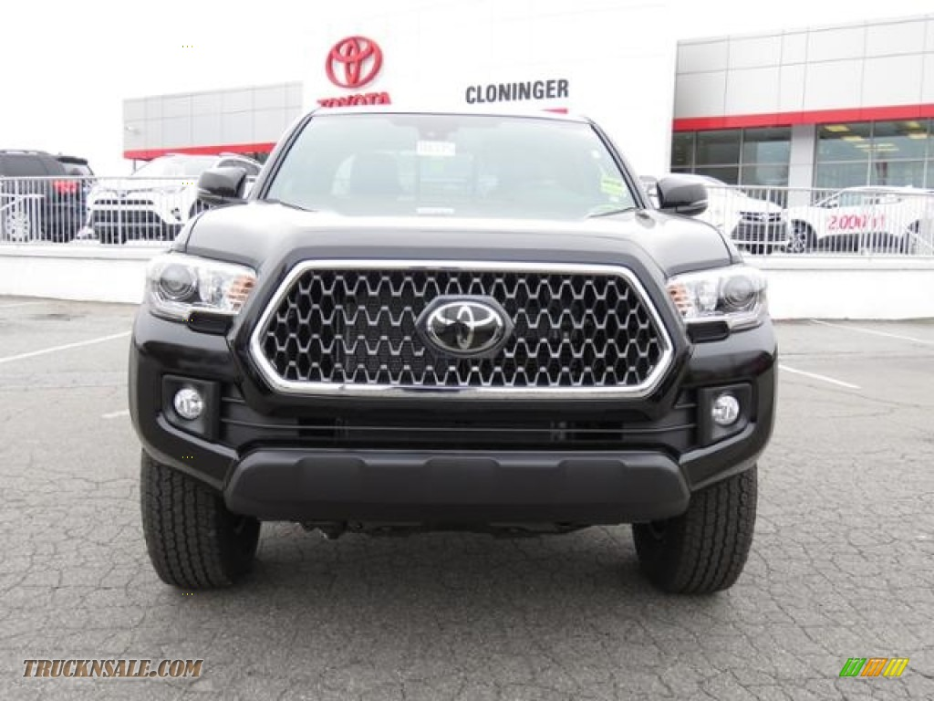 2018 Tacoma TRD Off Road Access Cab 4x4 - Midnight Black Metallic / Graphite w/Gun Metal photo #2