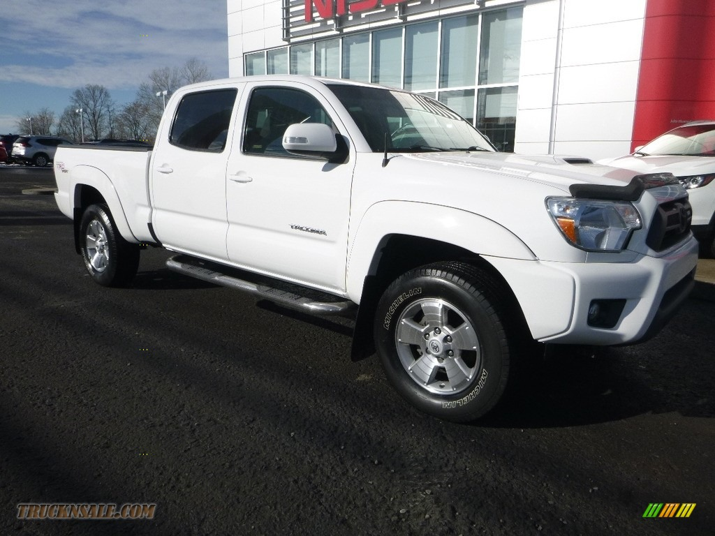 2012 Tacoma V6 SR5 Double Cab 4x4 - Super White / Graphite photo #1