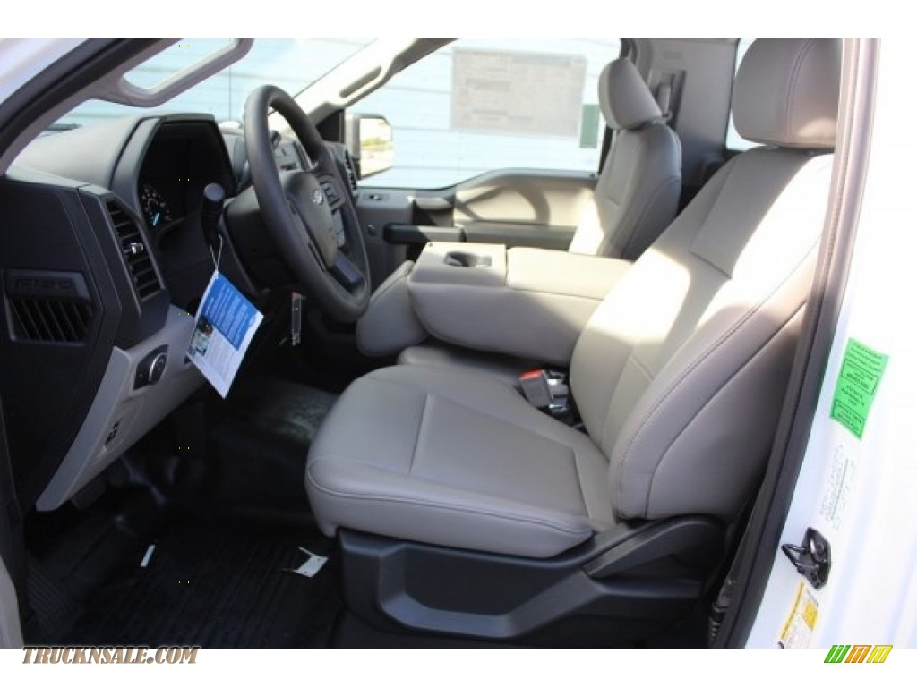 2018 F150 XL Regular Cab - Oxford White / Earth Gray photo #11