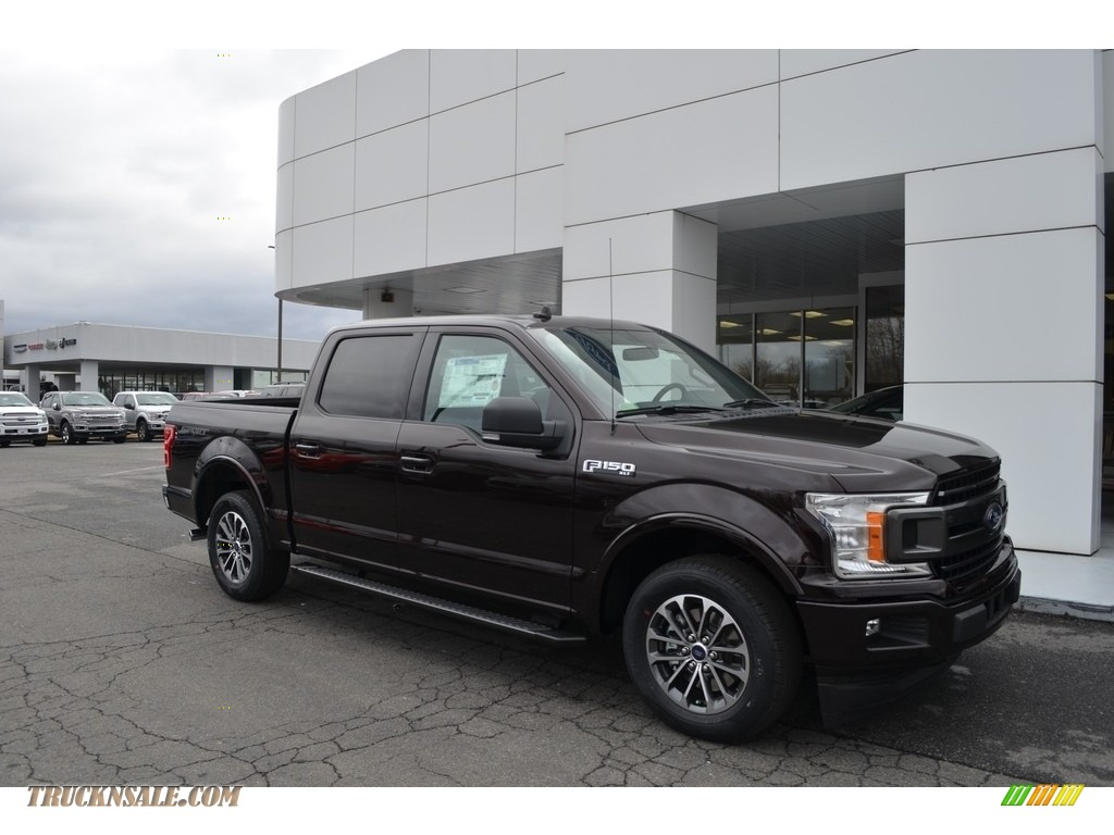 2018 F150 XLT SuperCrew - Magma Red / Earth Gray photo #1