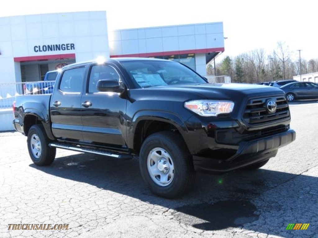 2018 Tacoma SR Double Cab - Midnight Black Metallic / Cement Gray photo #1