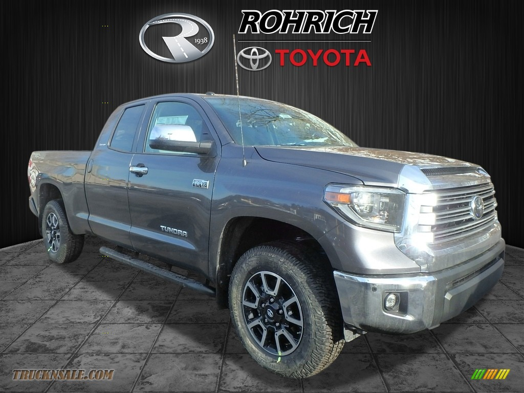 2018 Tundra Limited Double Cab 4x4 - Magnetic Gray Metallic / Graphite photo #1