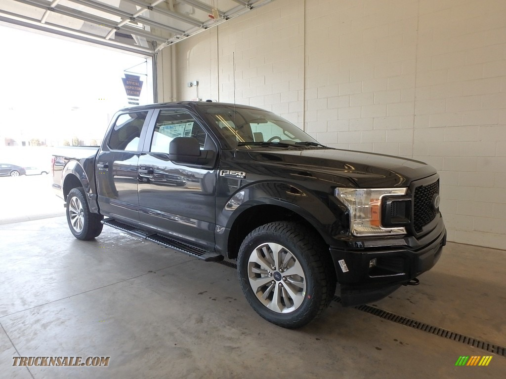 2018 F150 STX SuperCrew 4x4 - Shadow Black / Earth Gray photo #1