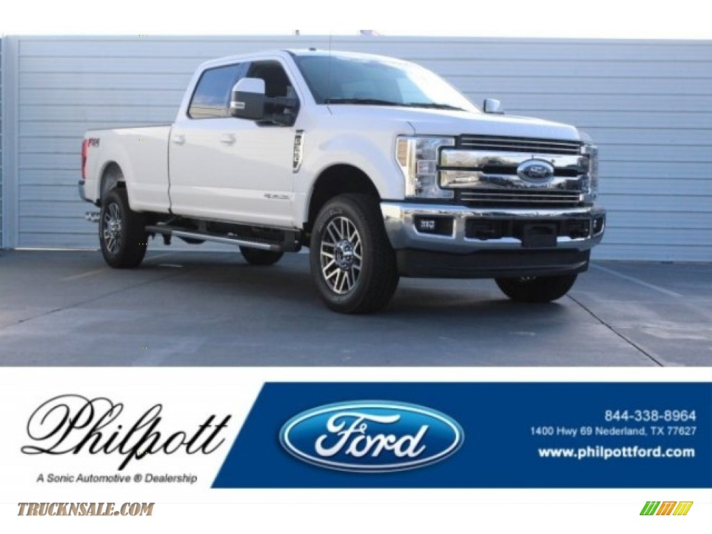 2018 F350 Super Duty Lariat Crew Cab 4x4 - Oxford White / Black photo #1