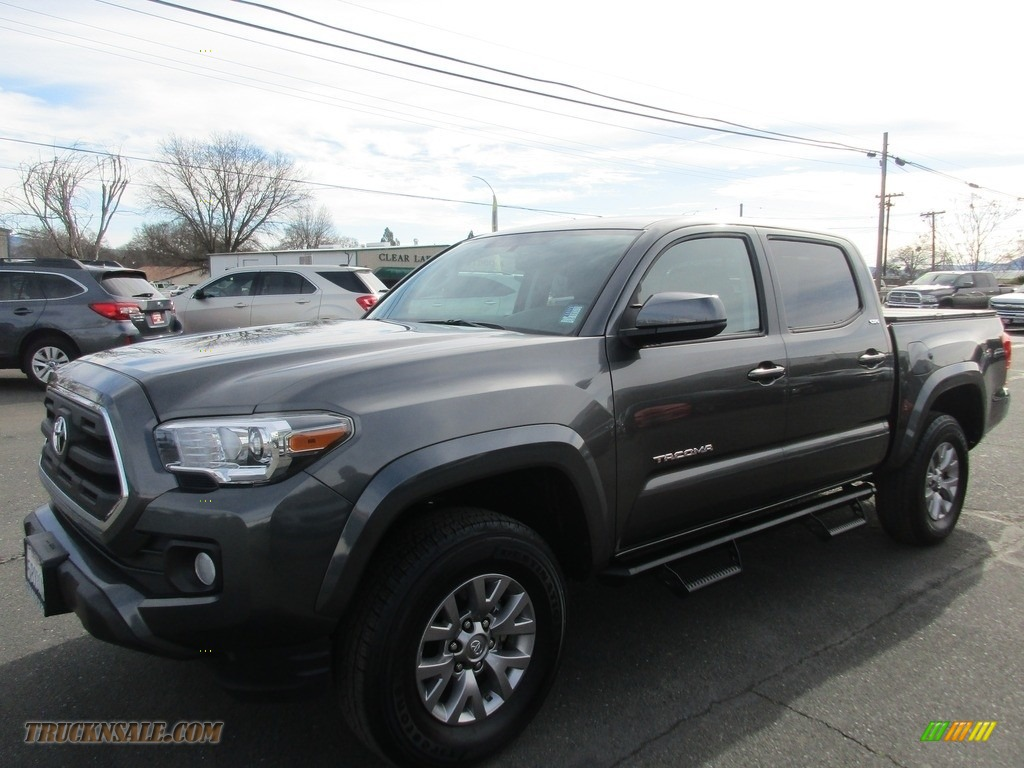 2017 Tacoma SR5 Double Cab - Magnetic Gray Metallic / Cement Gray photo #3